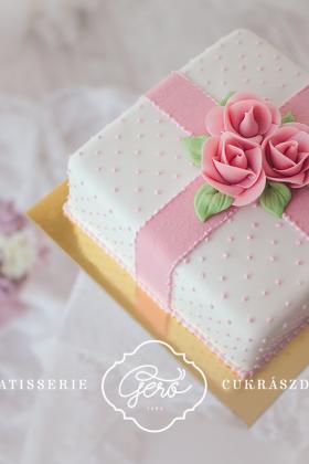 108. Marcipános torta