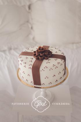 145. Marcipános torta