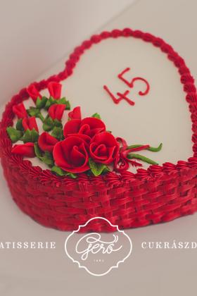 113. Szív torta