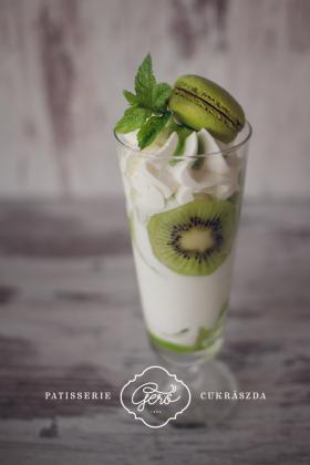 Kiwi joghurt fagylalt kehely