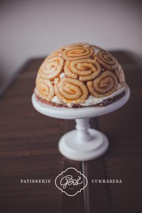549. Charlotte torta